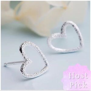 Jewelry - 🎉HP🎉 ARRIVED Stamped 925 Textured Heart Earrings